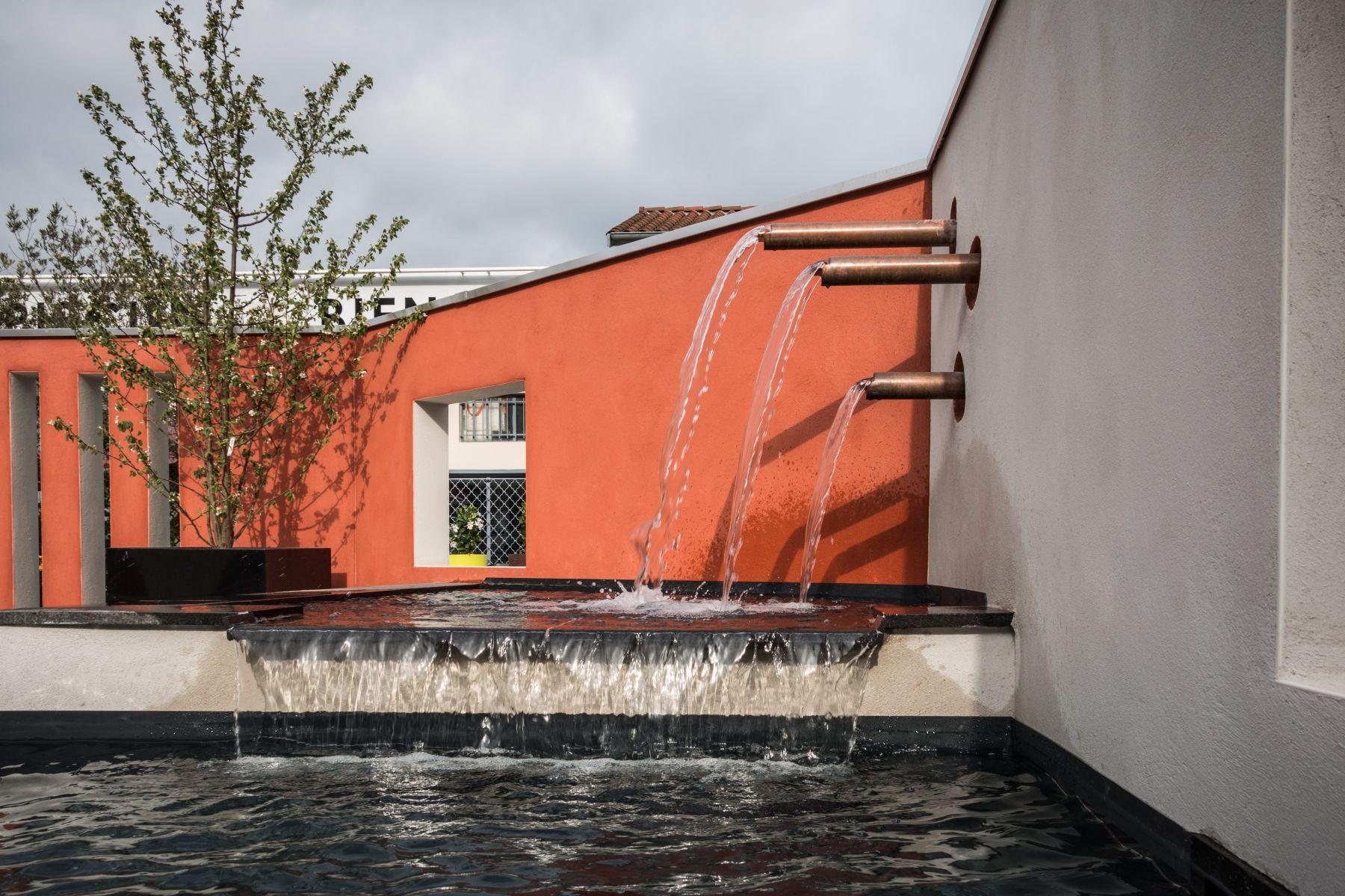 Cr ation de petit bassin et fontaine dans votre jardin - Comment creer une fontaine de jardin ...